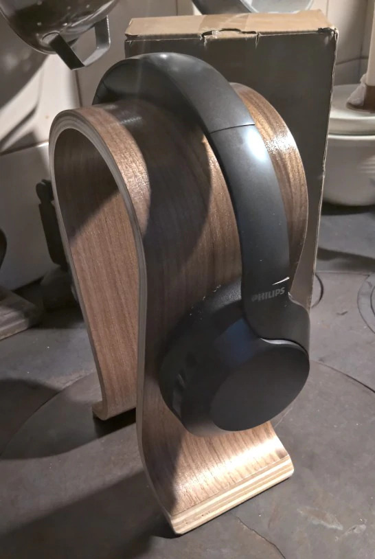 wooden headset holder birch
